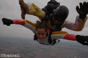 Charity skydive raises money for Help for Heroes