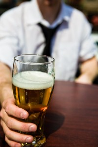 Drinking pals give up alcohol in charity bid