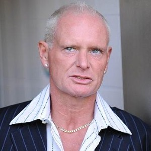 Gazza gets himself a girl through online dating