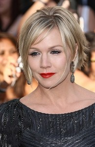 Jennie Garth to consider dating online?