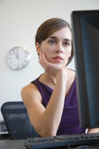 How can you strike up a conversation with online daters?