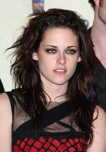 Kristen Stewart sending love letters to Robert Pattinson