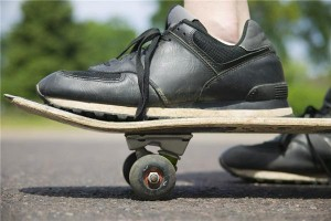 Man travels at 80mph on skateboard