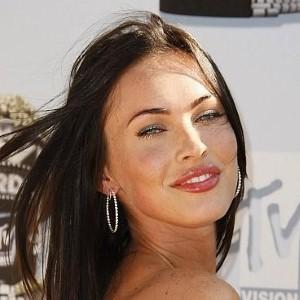 Megan Fox reveals stunning body in Armani ad