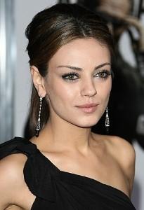 Mila Kunis: Online dating makes sense