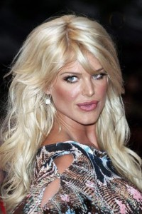 Victoria Silvstedt sets beach tongues wagging